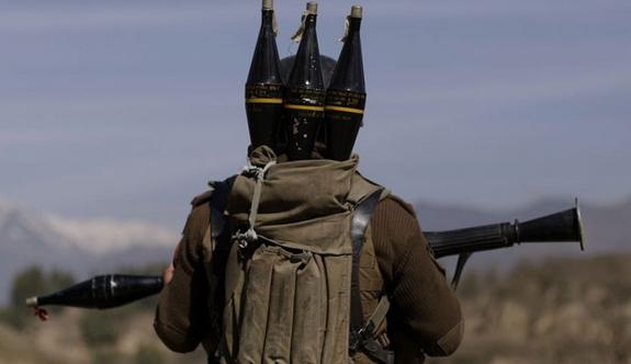 Askere roketatarlı saldırı