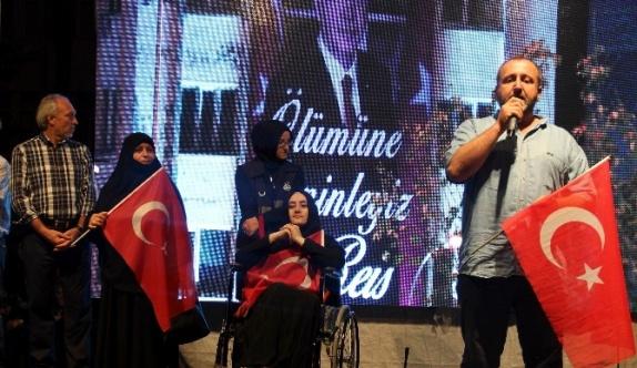 Demokrasi kahramanları Kütahya Zafer Meydanı'nda ayakta alkışlandı