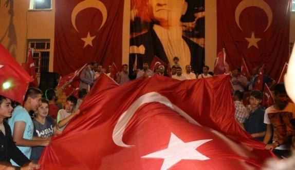 Pazarlar'da demokrasi mitingi