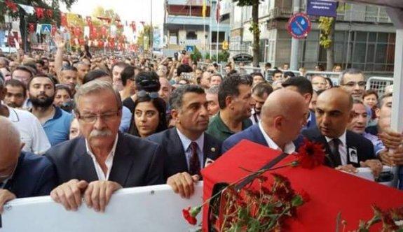 Tarık Akan'ı Bakırköy'de on binler uğurladı