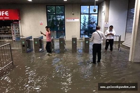 İstanbul'u yağmur teslim aldı