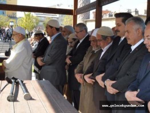 Boydak: Fethullah Gülen'in ağabeyinin cenazesinde Binali Yıldırım, Recep Akdağ...