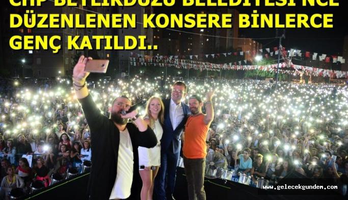 BEYLİKDÜZÜ'NDE BİNLERCE GENÇ KONSERE AKIN ETTİ