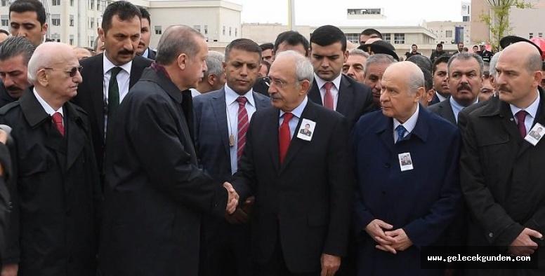 Siyasilerden şehit Yüzbaşı Mustafa Erdal'a son görev