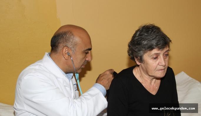 BAKIRKÖY'DE EVDE ÜCRETSİZ SAĞLIK HİZMETİ İÇİN TEDAVİYE BAŞKAN DR.KERİMOĞLU GİTTİ