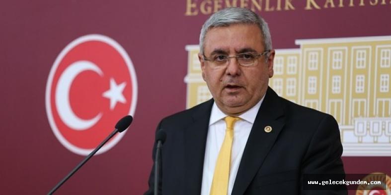 AKP'li Metiner: Kendi partisinin bir milletvekilini korumayacaklarsa...
