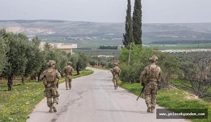 Afrin'de halk 18 teröristi TSK'ya teslim etti