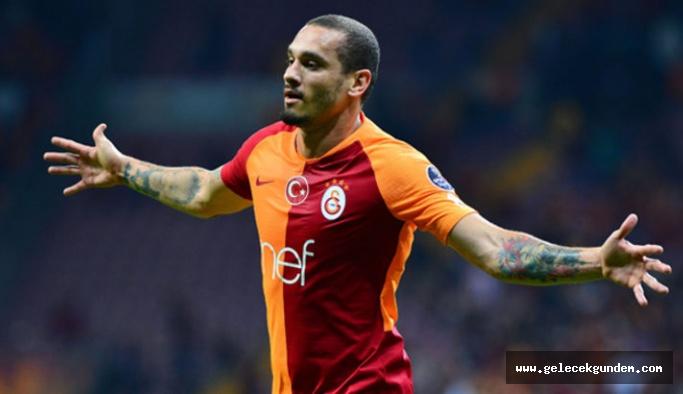 Galatasaray'da Fatih Terim Maicon'u sildi