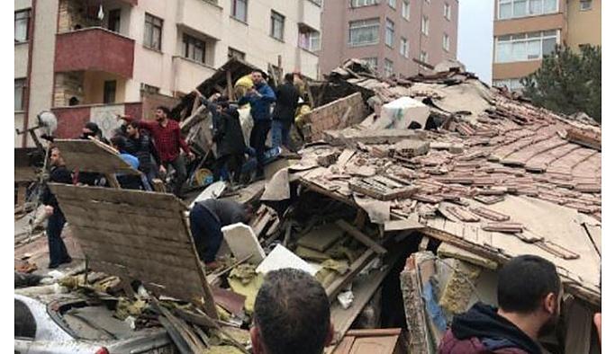 İstanbul'da 43 kişinin yaşadığı bina, patlamanın ardından çöktü!