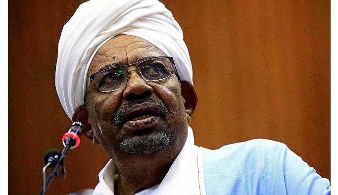 Sudan'da 30 yıllık diktatörlük sona erdi: Beşir istifa etti