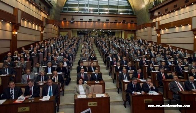 İBB Meclisi'nde oy birliğiyle kabul edildi: Öğrenci akbili 40 TL'ye indi! 19 Mayıs'ta ulaşım artık ücretsiz