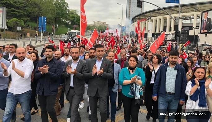 Beşiktaş Belediye Başkanı Rıza  Akpolat Deniz Gezmiş ve arkadaşlarını andı