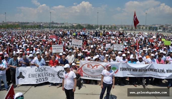 Yenikapı'da EYT mitingi düzenlendi