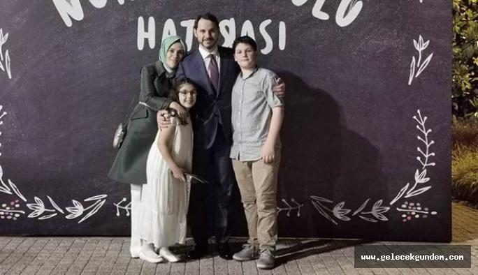 Bakan Albayrak'tan dikkat çekici aile fotoğrafı paylaşımı: Rabbime şükrediyorum