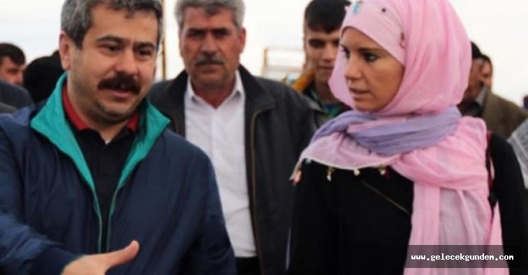 Burcu Çetinkaya Instagram hesabından eşinin soyadını kaldırdı