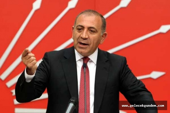 """CHP'li Gürsel Tekin """"Kadın hakları konusunda atılacak çok adım var"""""""