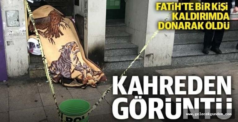 21 Yüzyıl Türkiye'si Yazıklar olsun  !!!!  İstanbul'da bir kişi kaldırımda donarak öldü!
