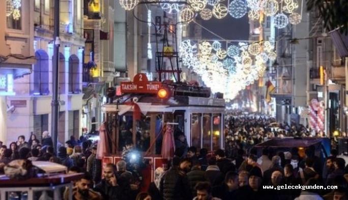 Türkiye'de 192 milletten 5 milyonun üzerinde yabancı yaşıyor